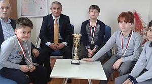 Kızılırmak İlkokulu Satranç Turnuvasında İkinci Oldu