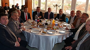 MHP Bafra Teşkilatı Muhtarlarla Yemek' te Buluştu