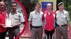 Milli Antrenör Çelebi'ye Takdir Belgesi