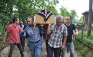 Trafik kazasında ölen çift ile çocukları toprağa verildi