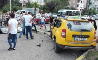 Ordu'da ticari taksi ile otomobil çarpıştı: 8 yaralı