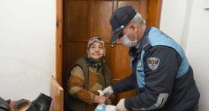 Yaşlı ve Kronik Hastalara Büyükşehir İhtiyaçlarını Getiriyor