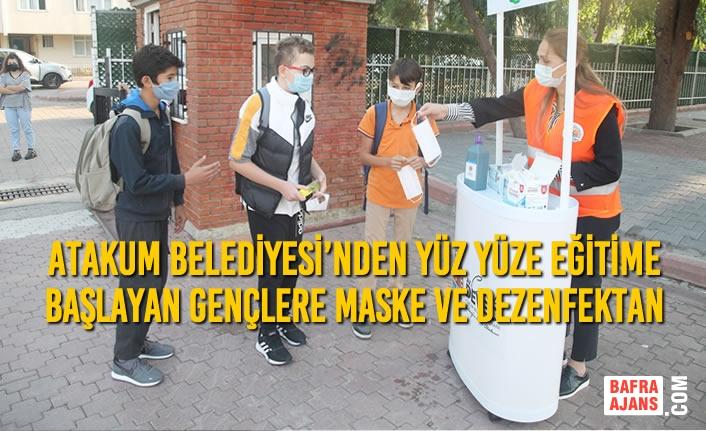 Atakum Belediyesi'nden Yüz Yüze Eğitime Başlayan Gençlere Maske Ve Dezenfektan