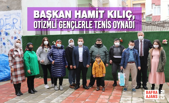 Başkan Hamit Kılıç, Otizmli Gençlerle Tenis Oynadı