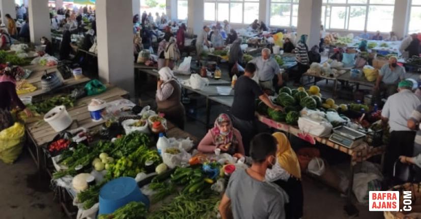 Alaçam'da Bayram Sonrası İlk Pazar Kuruldu