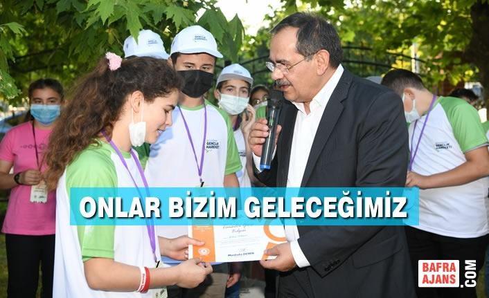 Binlerce Genç Büyükşehir Belediyesi'nin Öncülüğünde Şehri Tanıyor