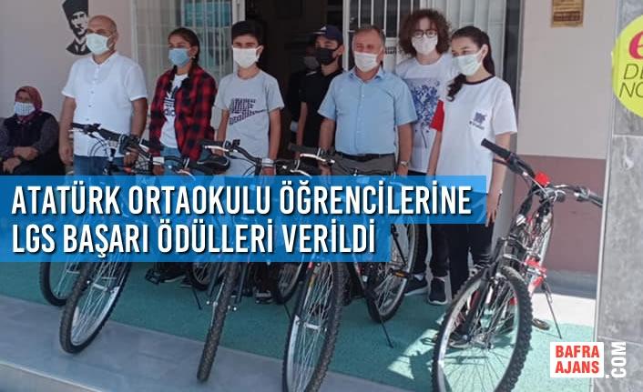 Atatürk Ortaokulu Öğrencilerine LGS Başarı Ödülleri Verildi