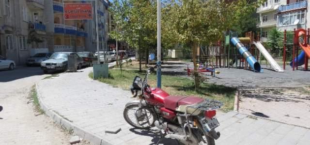 Çalınan Motosiklet Çocuk Parkında Bulundu