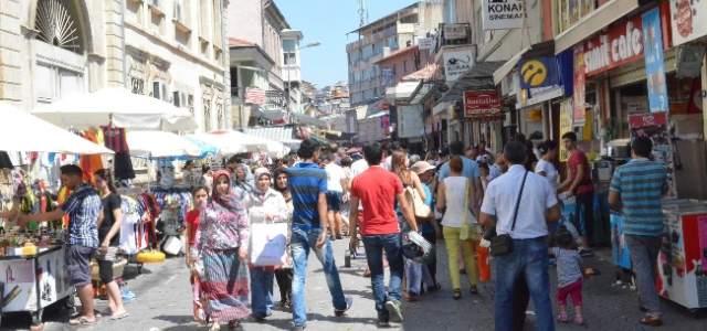 Kemeraltı Çarşısı'nda Bayram Heyecanı