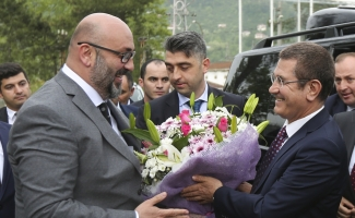 Başbakan Yardımcısı Canikli'den Giresunspor'a ziyaret