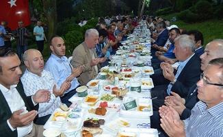 İstanbul'daki Çetinkayalılar İftarda Bir Araya Geldi