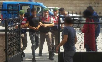 Bafra'da Uyuşturucu Ticareti Yapan Zanlılar Adliyede