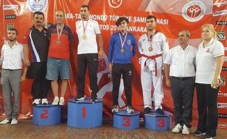 Bafra'dan 3 ve Kavak'tan 1 Taekwandocu Türkiye 2.si