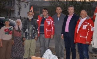 Yangında Evini Kaybeden Aileye Gıda Ve Eşya Yardımı