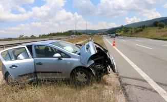 Anadolu Otoyolu'nda iki otomobil çarpıştı: 5 yaralı
