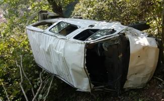 Giresun'da minibüs uçuruma devrildi: 1 ölü, 1 yaralı
