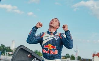 Red Bull Air Race'te sona yaklaşılıyor