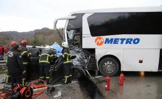 Ordu'da yolcu otobüsü ile cip çarpıştı: 1 ölü, 10 yaralı