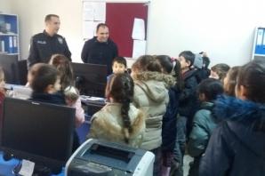 50. Yıl İlkokulu Öğrencileri Bafra Adliye Sarayı'nda