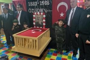 Alaçam'da Atatürk ve Vatan Konulu Resim Sergisi