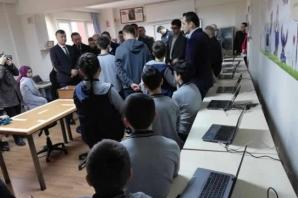 Bafra Fatih Ortaokulu'nun Teknoloji Sınıfını Huawei Yeniledi
