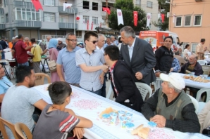 Bafra Belediyesinden 4 Mahalleye Yönelik Halk İftarı