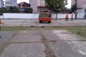 Bafra'da Okul Bahçeleri Temizleniyor