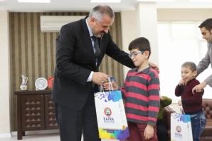 Özel Eğitim Öğrencileri Başkan Kılıç'ı Ziyaret Etti