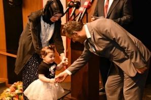 Şehit Aileleri ve Gazilere 'Devlet Övünç Madalyası ve Beratı
