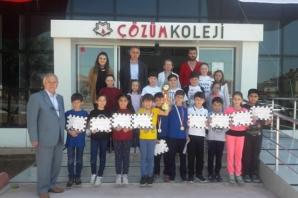 Satranç Turnuvası Birincisi; Bafra Çözüm Koleji İlkokulu