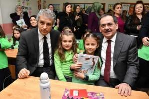 Başkan Demir, Karne Dağıttı; Öğrencilerin Heyecanına Ortak Oldu