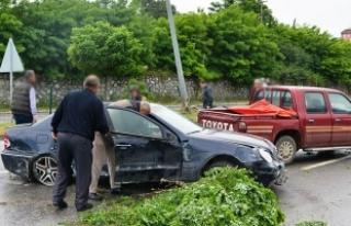 19 Mayıs İlçesinde Maddi Hasarlı Trafik Kazası