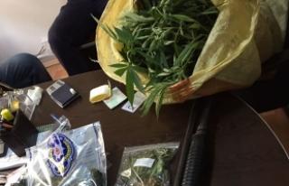 Çarşamba'da Uyuşturucu Operasyonu; 2 Gözaltı