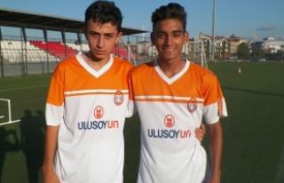 Mevlanaspor'un İki Genç Futbolcusuna Boluspor'dan...