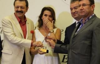 Nur Meral Aydıner; Gözyaşlarına Hâkim Olamadı