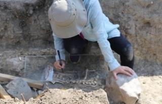 Örükaya barajı ve höyüğündeki kazı çalışmaları