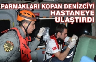 Sahil Güvenlik Ekibi Yaralı Denizciyi Hastaneye...