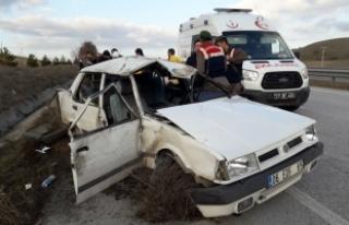 Çorum'da otomobil devrildi: 5 yaralı