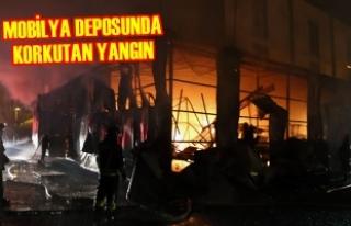 Samsun'da Mobilya Deposunda Yangın