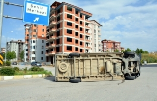 Tokat'ta öğrenci servisi devrildi: 7 yaralı