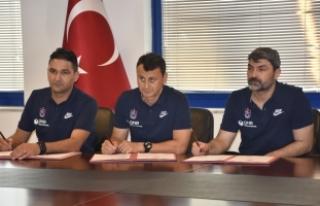 Trabzonspor'da yardımcı antrenörler sözleşme...