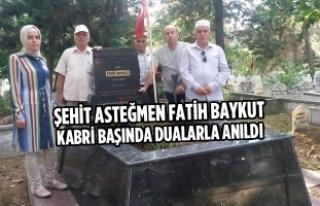 Şehit Asteğmen Fatih Baykut Kabri Başında Dualarla...