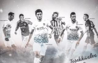 Trabzonspor'dan, takımdan ayrılan eski oyuncularına...