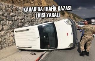Kavak'da Trafik Kazası: 1 Yaralı