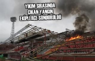 Samsun'da Eski 19 Mayıs Stadyumu'nun Yıkımına...