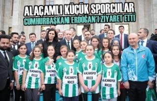 Alaçamlı Küçük Sporcular Cumhurbaşkanı Erdoğan'ı...