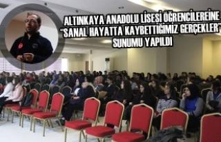 """Öğrencilere """"Sanal Hayatta Kaybettiğimiz Gerçekler""""..."""