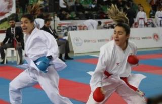 Rize'deki karate şampiyonası sona erdi