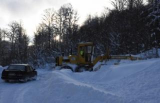 Hastaların imdadına karla mücadele ekipleri yetişti
