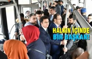 Zihni Şahin, OMÜ'ye Otobüsle Gitti, Öğrencilerle...